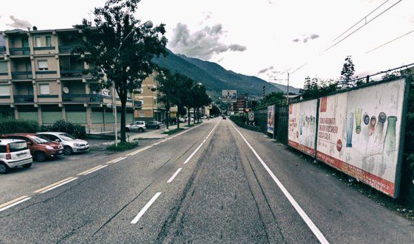 Sondrio, viale stadio fronte Bonini: 2 postazioni